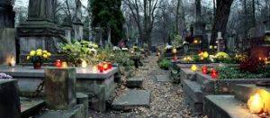 Geschmueckter-Friedhof
